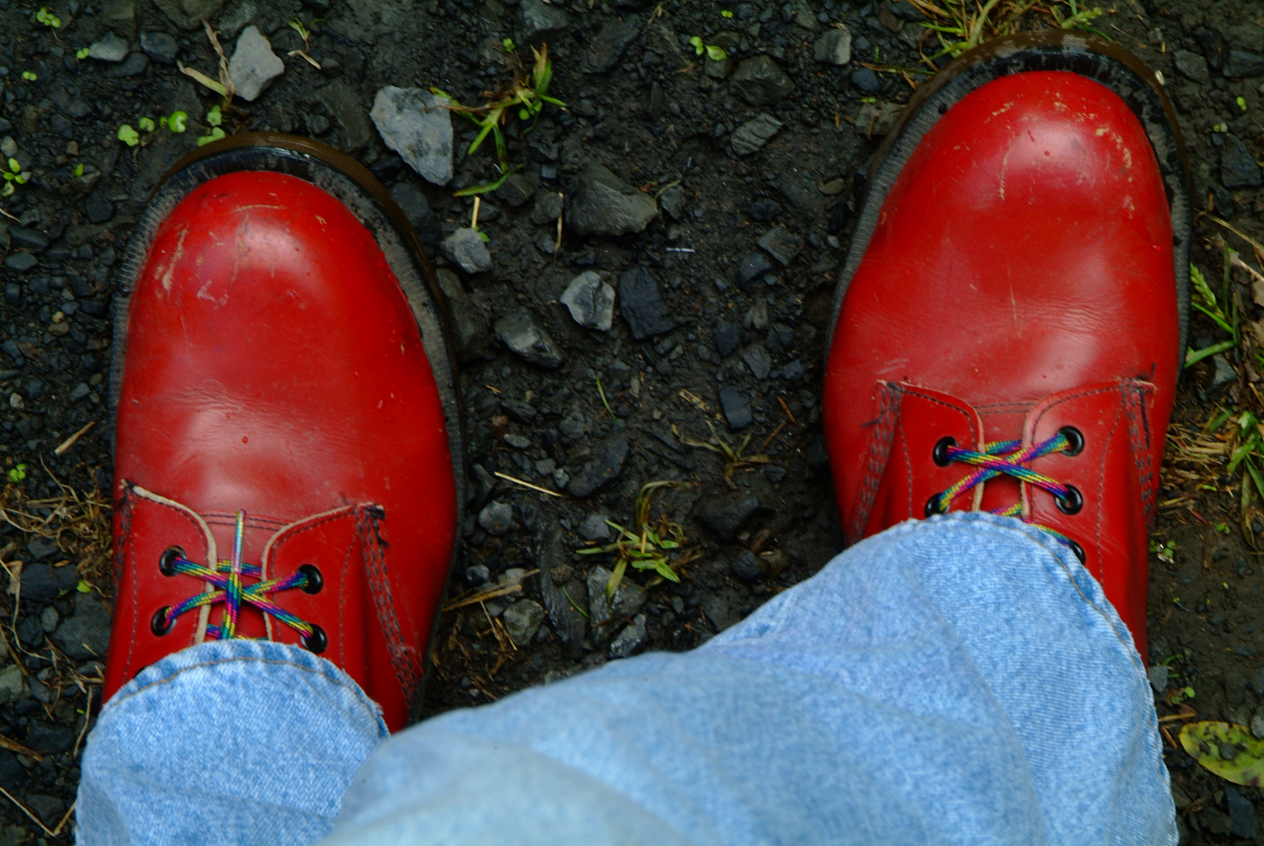 001_redshoes2